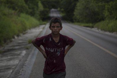 migration-child-christianity-border
