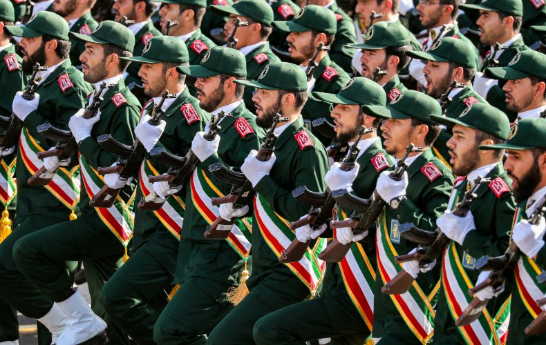 iran revolutionary guards parade