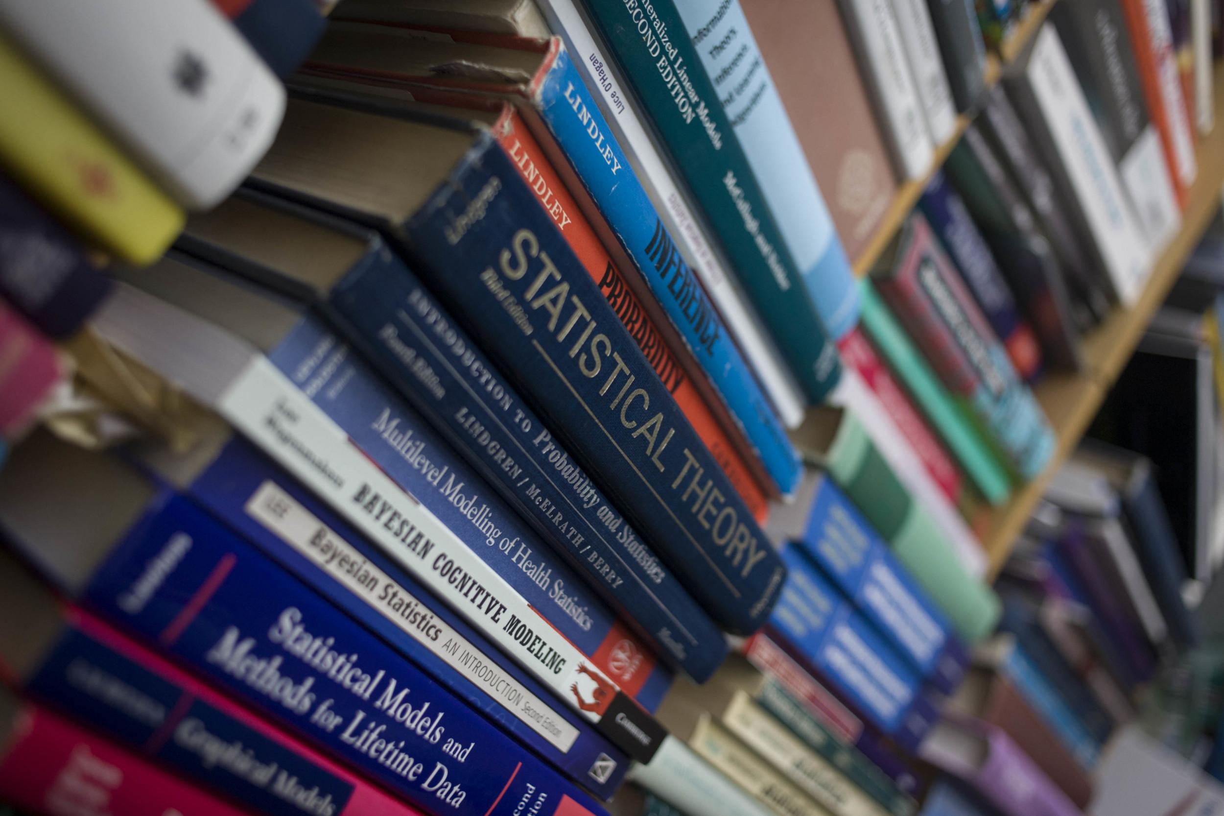Biggest Textbook Publisher Pushing Students To Ebooks