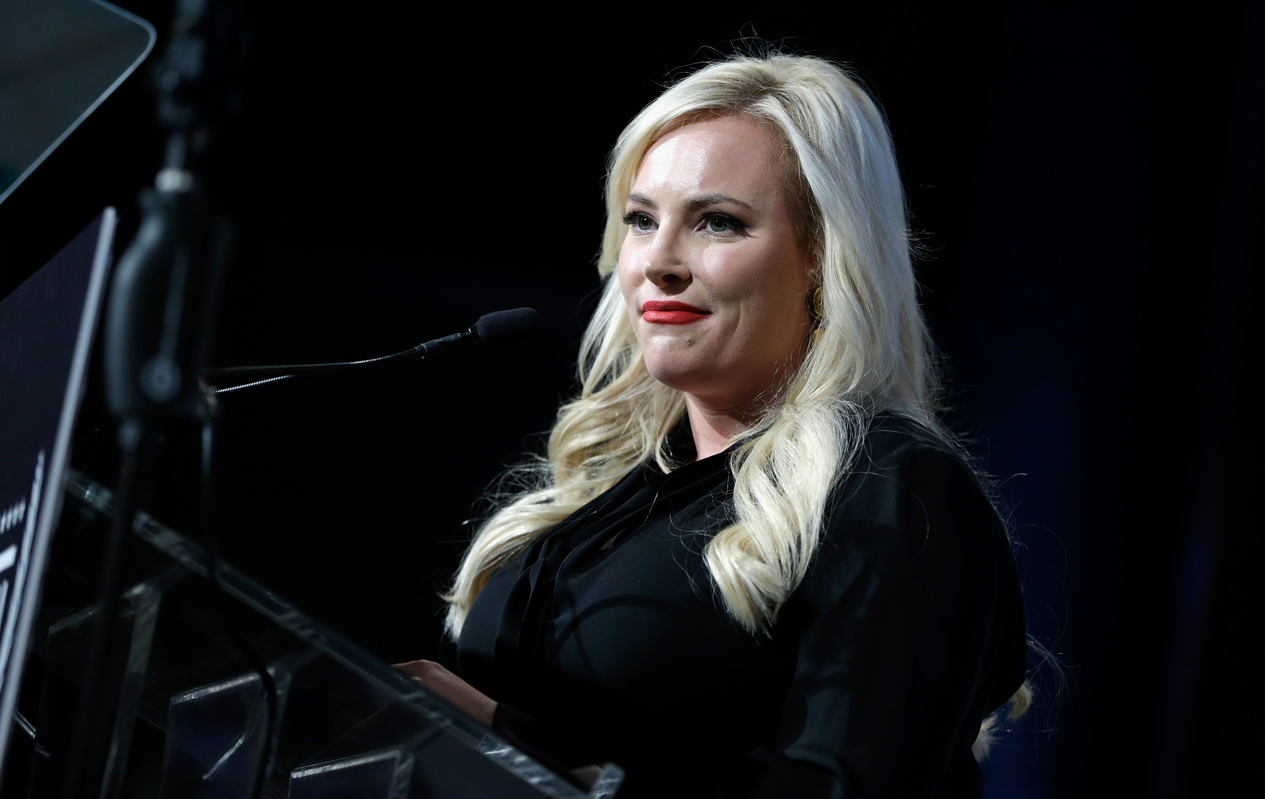 """After 'send her back"""" chant, Meghan McCain shares video of father schooling supporter who called Obama an 'Arab'"""