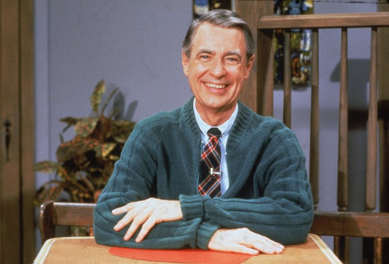 Tom Hanks Stars As Mr Rogers In Movie Based On Tom Junod S Profile Read What He Had To Say