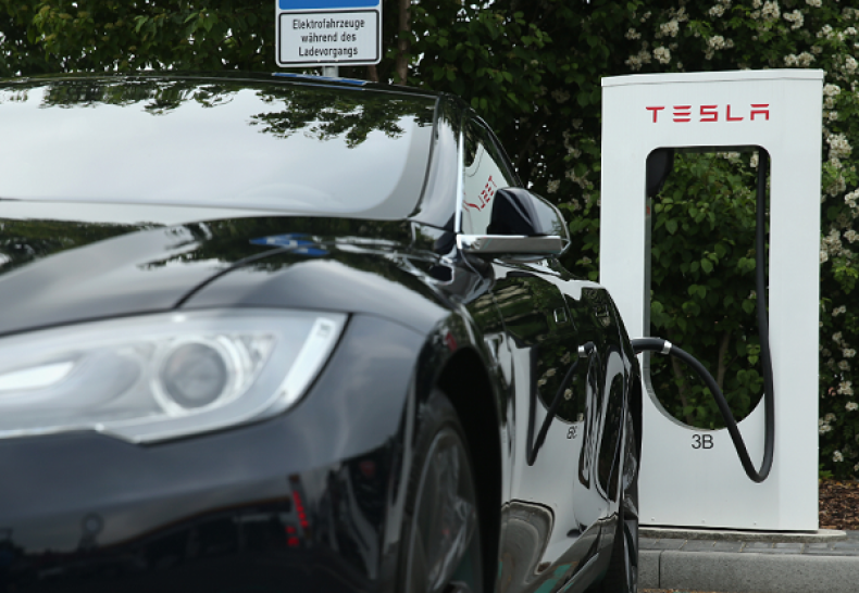 Tesla Drivers Don't Know How to Use Their Cars
