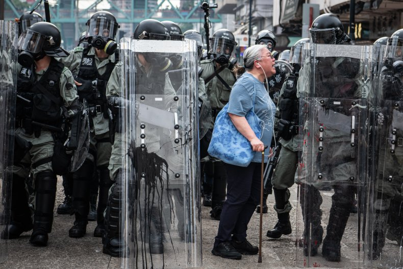 elderly, woman, Hong Kong, protest, viral, video