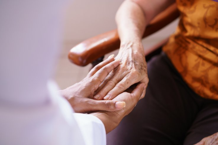 Blood test may spot early signs of Alzheimer's