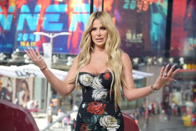 Kim Zolciak-Biermann Claims a Delta Agent Removed Her Kids From a Plane