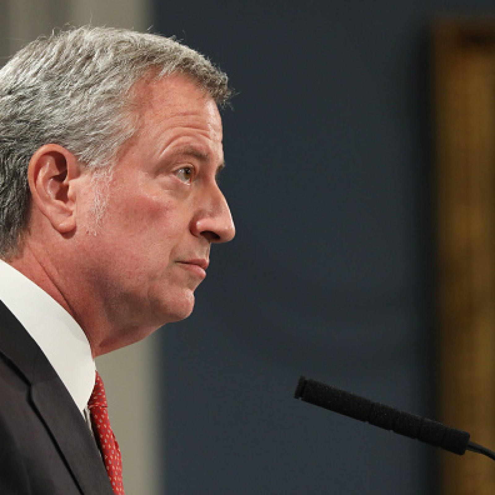 NYC Mayor Bill de Blasio Calls for Stricter Gun Control Laws