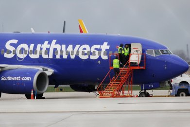 southwest airlines jet runway