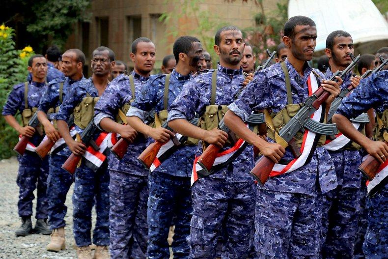 yemen government hadi soldiers taez