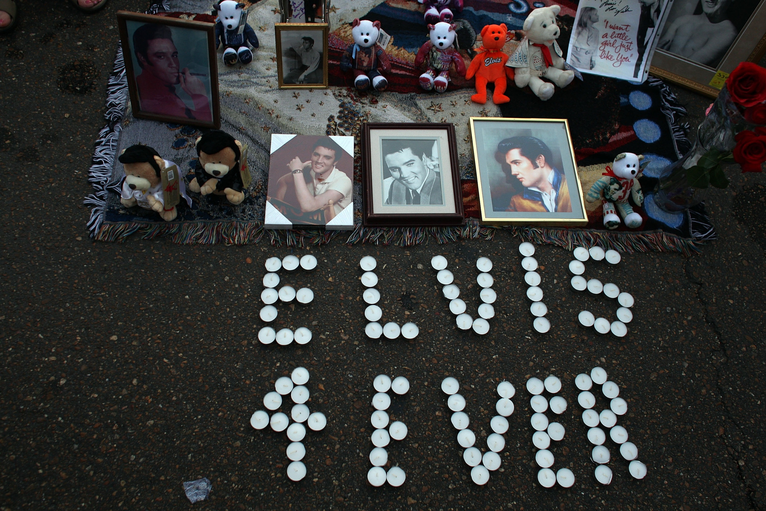 When Did Elvis Presley Die? Facts About Music Legend on ...