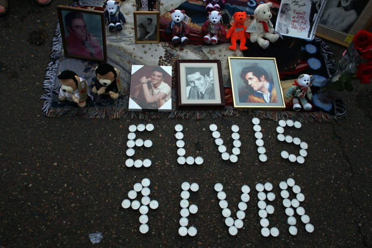 when did elvis die elvis presley death