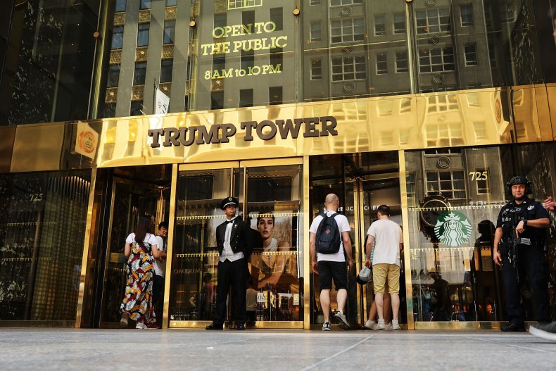 Nearly 400,000 Sign Petition to Name Street Outside Trump Tower Obama Ave