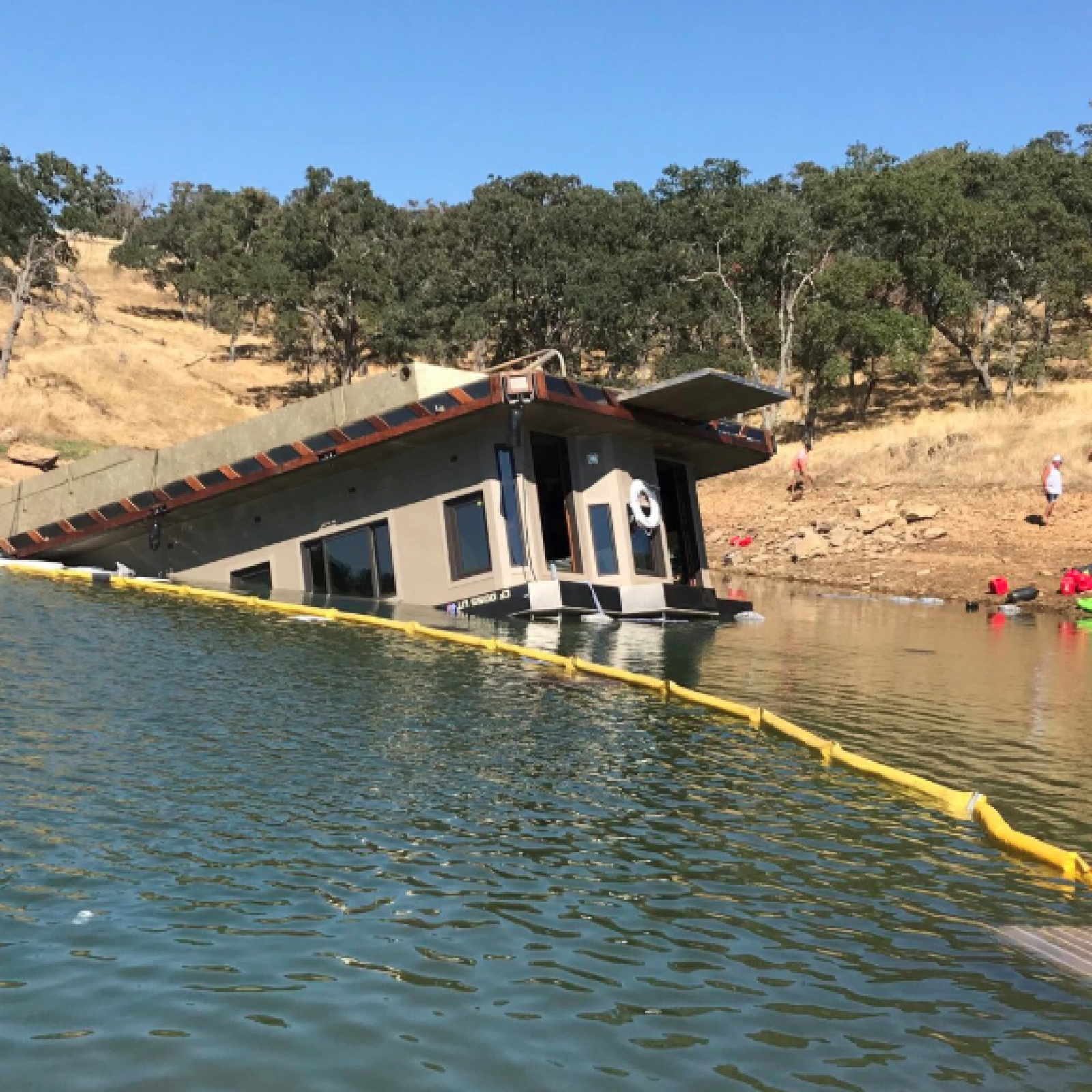 California Houseboat Sinks During Overloaded Poker Party