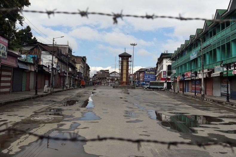 india kashmir border lockdown