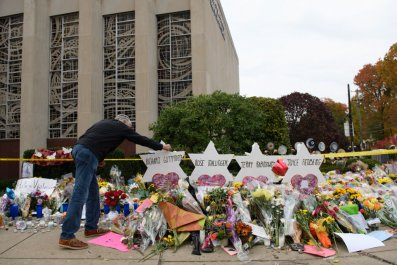 Tree Of Life synagogue mourners