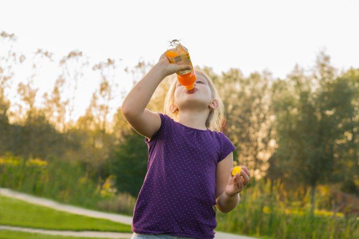 飲み物、子供、清涼飲料、ソーダ、ストック、ゲッティ