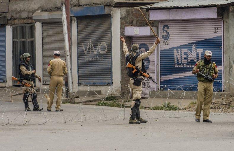 india pakistan kashmir lockdown