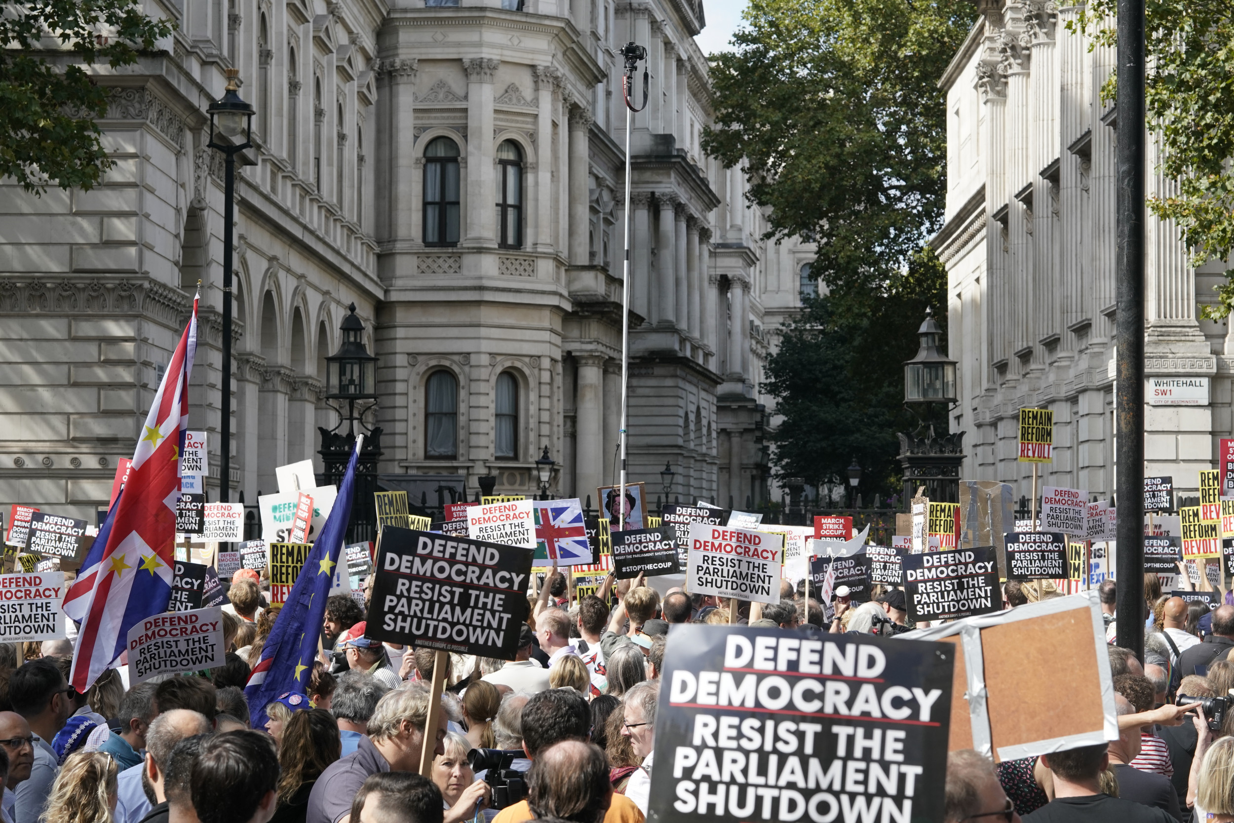Protesters Are Marching in London, Hong Kong and Moscow ...