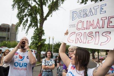 DNC protest climate change debate 2020 democrats