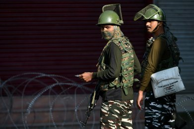 india kashmir crackdown pakistan border