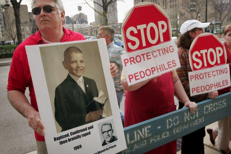 protestors, chicago, priest sex abuse