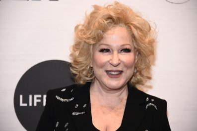 Bette Midler Schooled For Calling on Beyoncé Fans to Defeat Trump