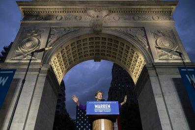 Elizabeth Warren campaigns in New York