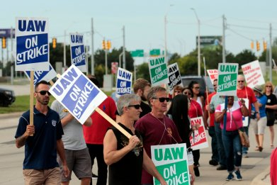 UAW workers GM strike