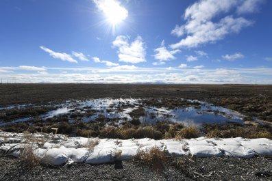 US-ALASKA-ENVIRONMENT-CLIMATE-EROSION