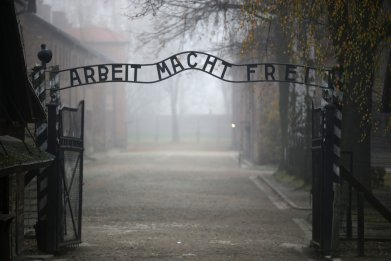 holocaust ucu college union memorial day