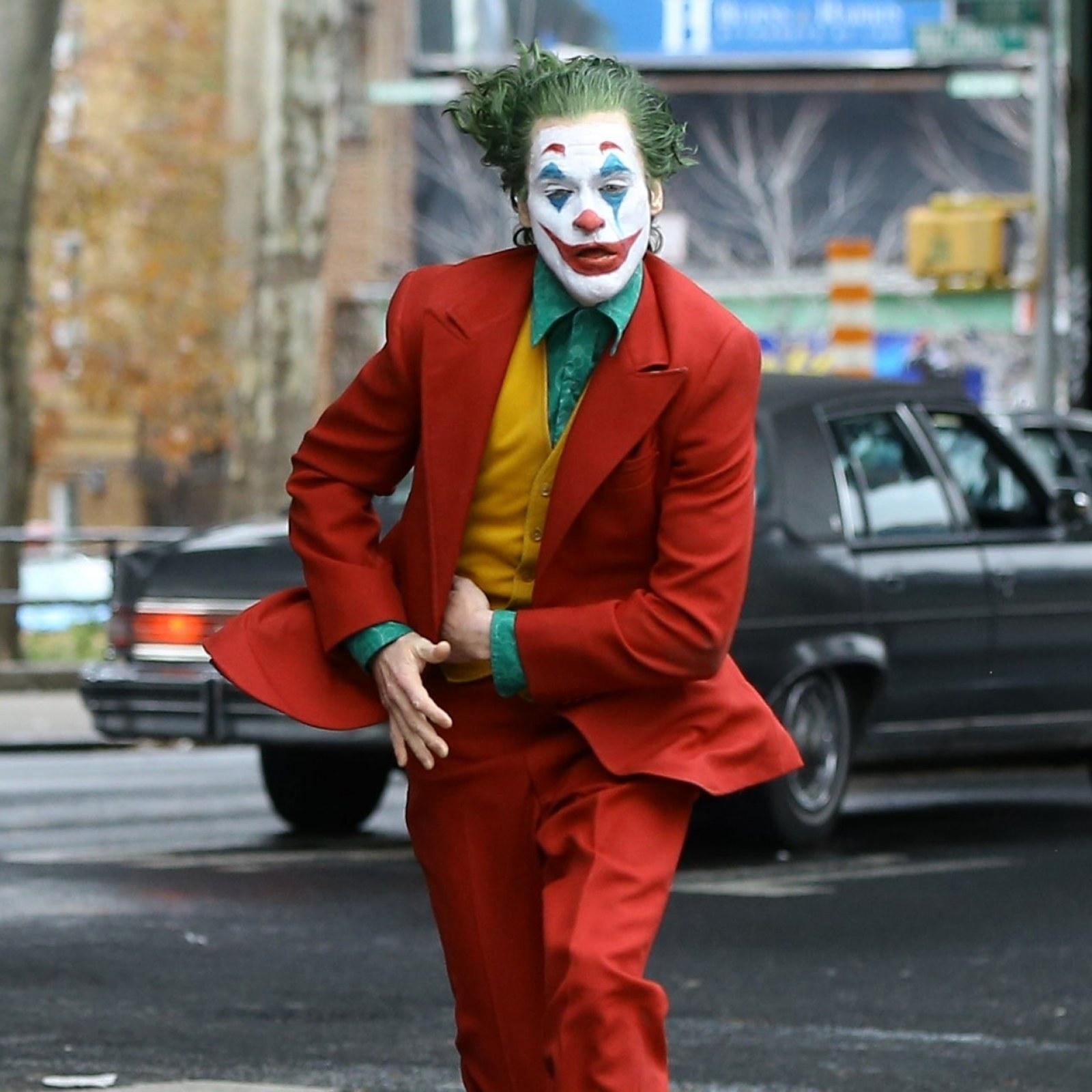 Joker Why Joaquin Phoenix S Joker Will Never Meet Robert