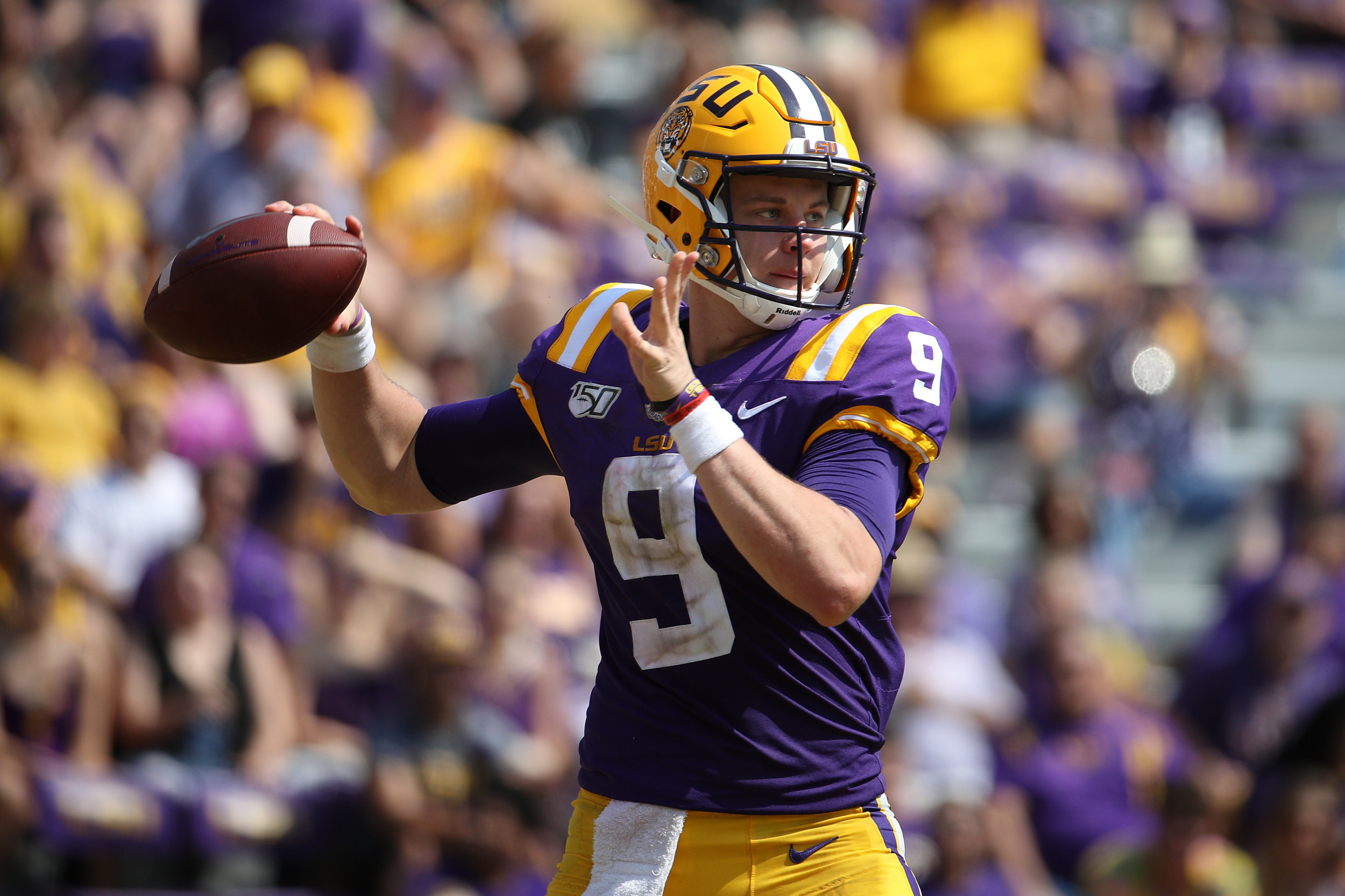 College Football 2019 Where To Watch Florida Vs Lsu Tv Channel Live Stream And Odds