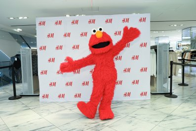 Elmo Gets Hugs on Fifth Avenue