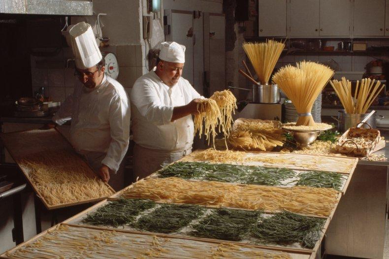 pasta spaghetti kitchen