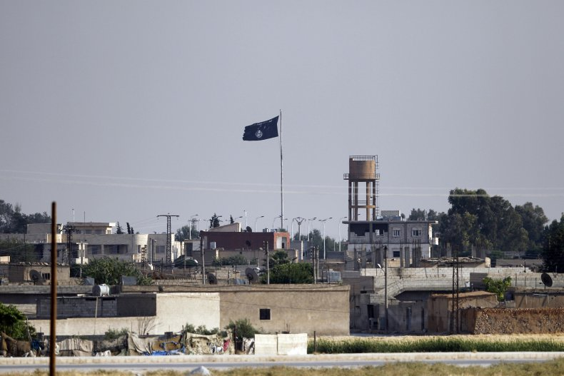 isis flag turkey border syria