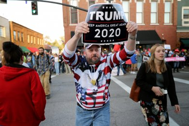 Trump Supporter Taunts Warren Supporter