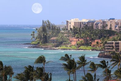 Sallie Mae Executives Celebrate in Hawaii as Americans Are Crippled By Student Loan Debt
