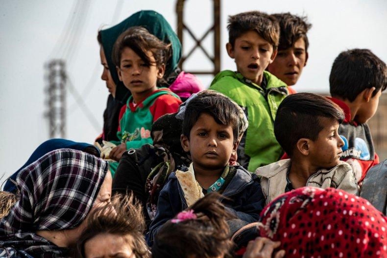 Syrians flee Turkish bombardment