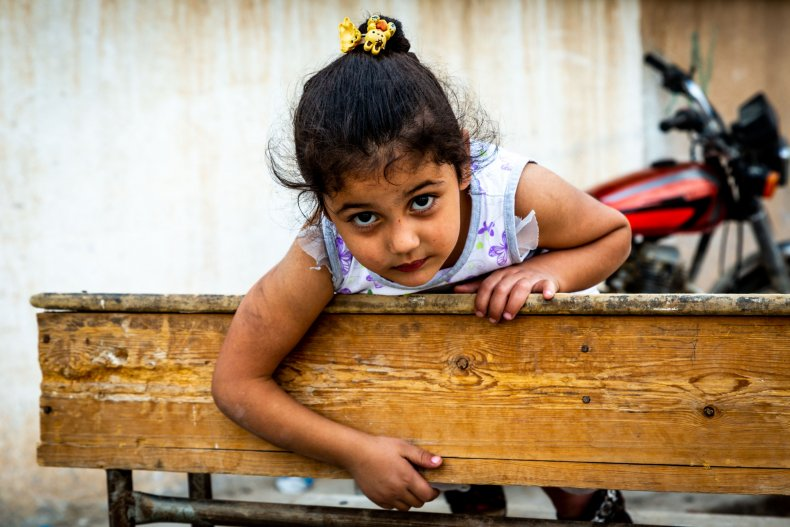 syria war young girl school