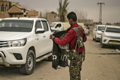 SDF, Kurds, US, admits ISIS, fighters, escaped
