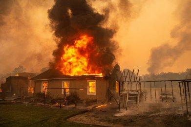 california wildfire air quality map smoke kincade