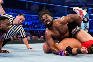 xavier woods smackdown wwe pin