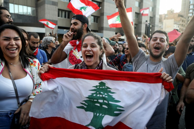 lebanon protests saad hariri resigns
