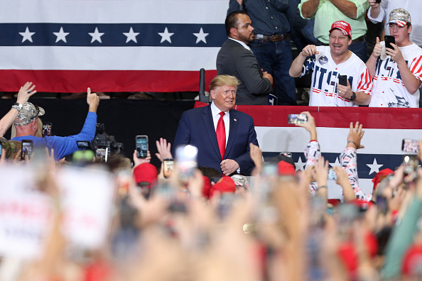 Trump stirs up 'LSU' chant at Louisiana rally Wednesday night, gets Alabama 'boos'