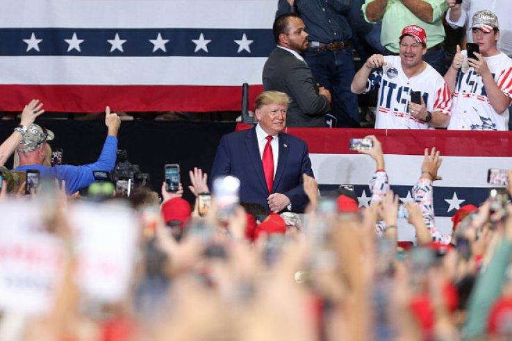 Trump Stirs Up 'LSU' Chant at Louisiana Rally Wednesday Night, Gets Alabama 'Boos'