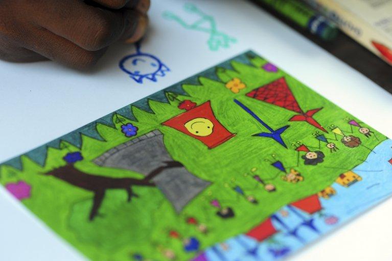 school kids drawing