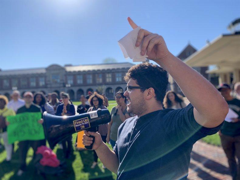 grad students protest trump nlrb