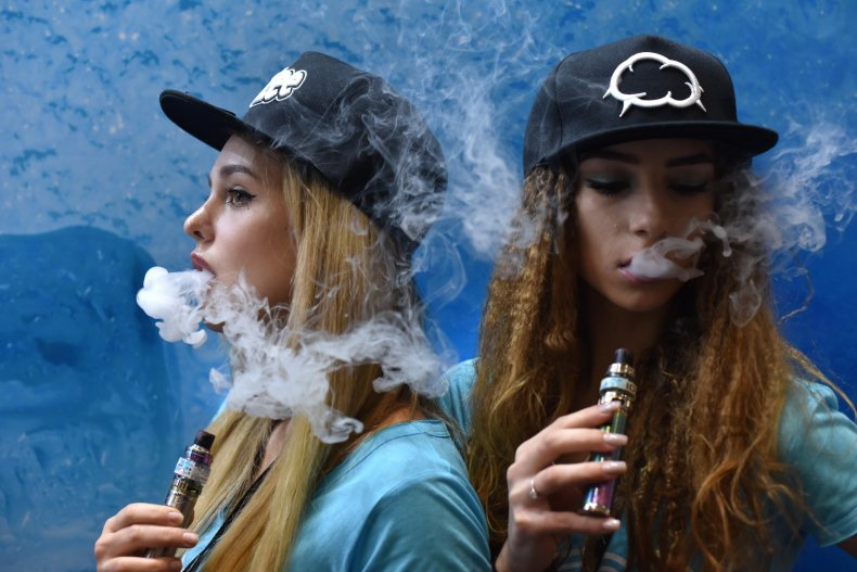 Vaping (Vape Jam UK 2019)