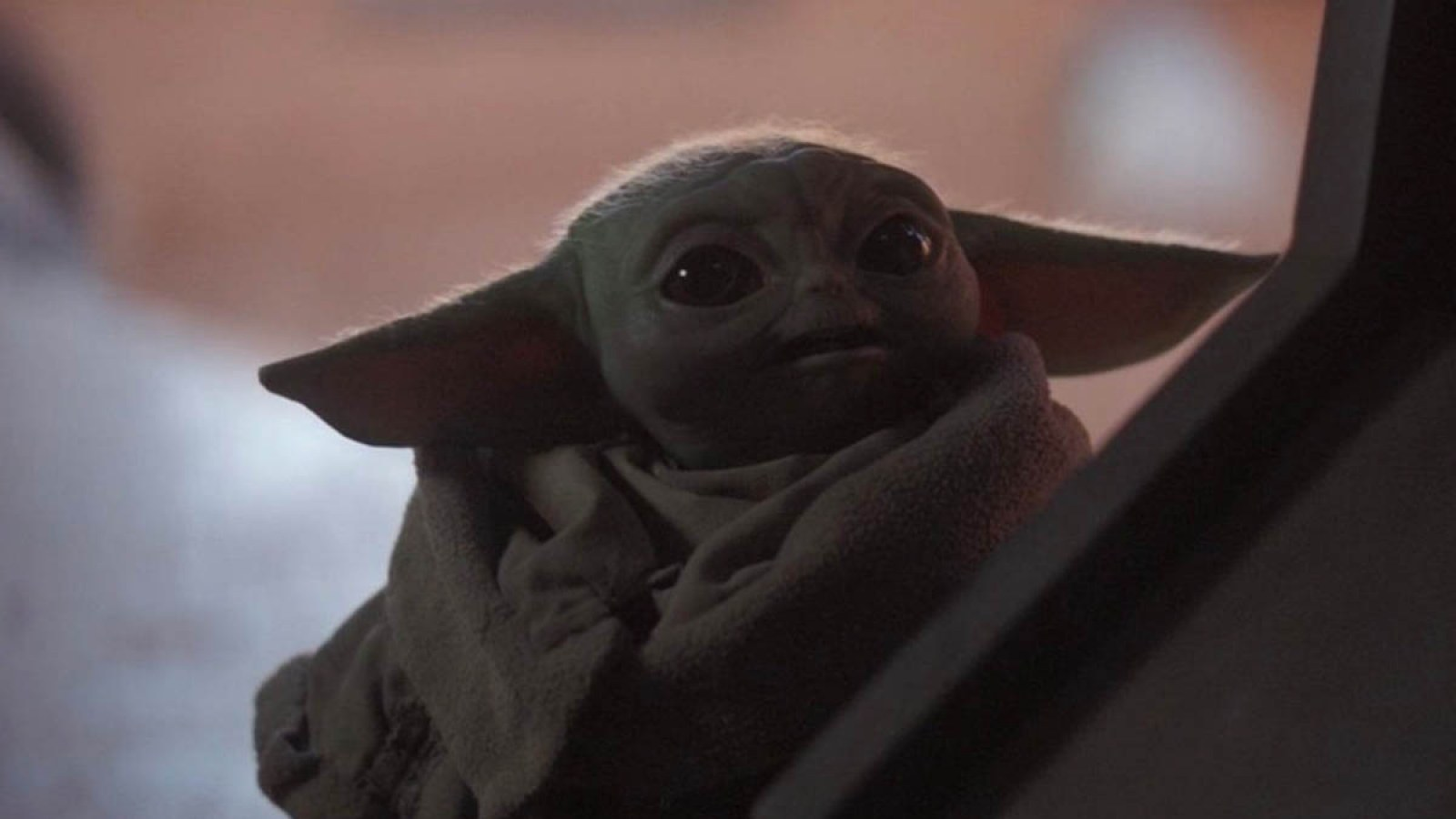 The Mandalorian On Disney Plus Fans Spot Baby Yoda Spoiler At Star Wars Galaxy S Edge
