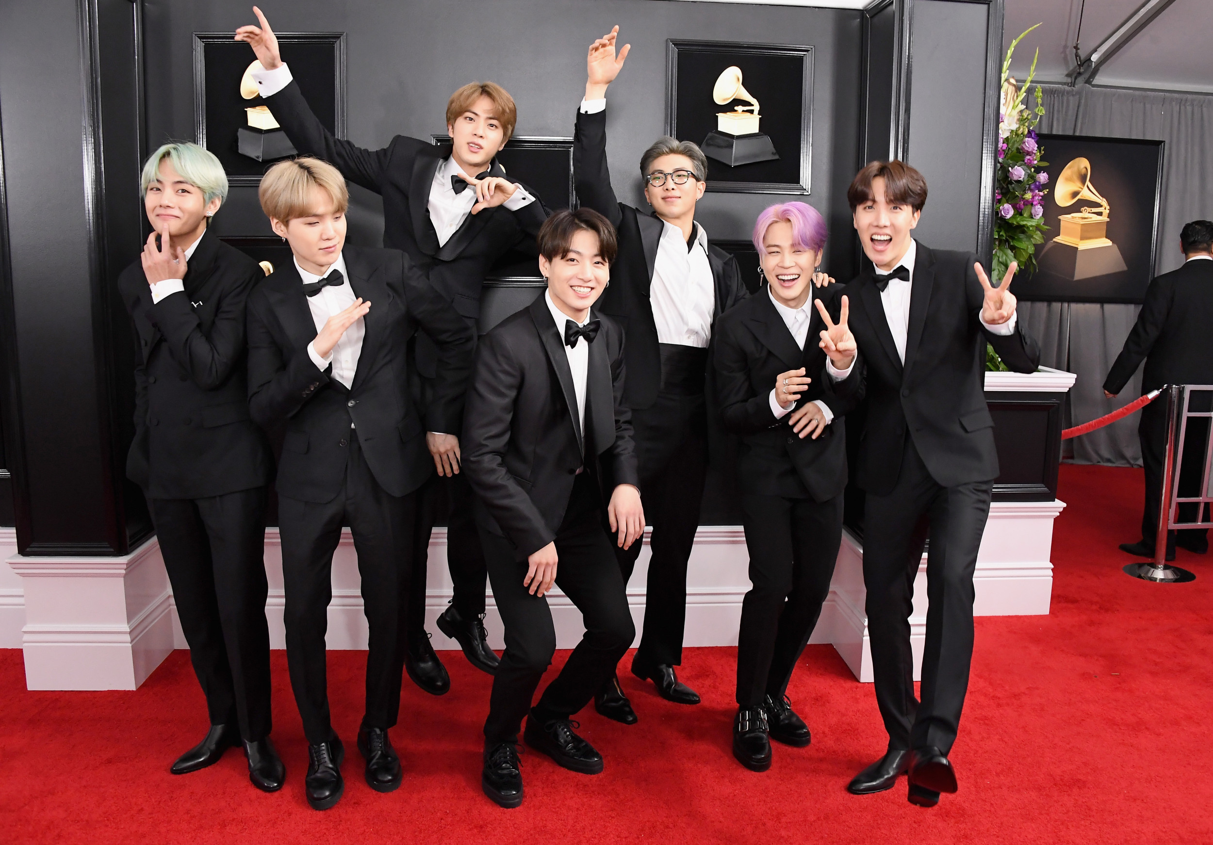 grammys 2020 nominations snubs fans react as bts taylor swift halsey miss out grammys 2020 nominations snubs fans