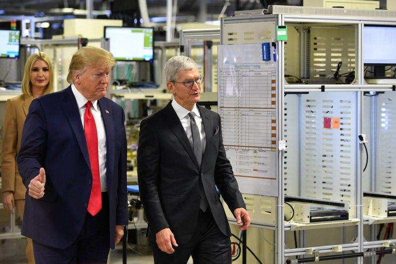 Donald Ivanka Trump Apple Protest